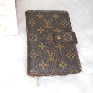 •Authentic Louis Vuitton Porte Papier•